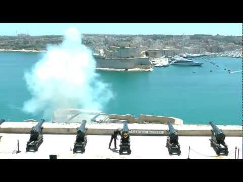 Here are the cannons firing at Ft. Angelo from across the harbor.