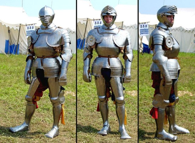 Here is what some knights wore, Maxamillian armor.  It's lighter weight than other plate armor but just as strong due to the fluting; the ridged surfaces.