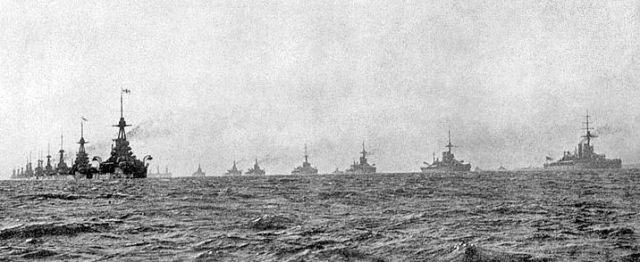 Here we see the Grand Fleet sailing in parallel columns. This was how they maneuvered in battle. It made signaling the rest of the fleet easier so they could make turns quicker and more accurately.