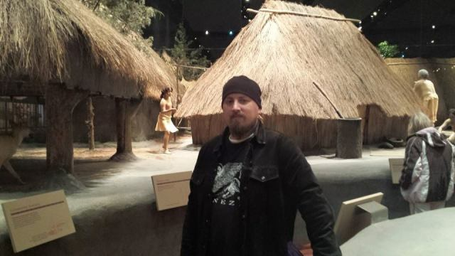 Anna - Umm...you went to the cultural center at Cahokia. That's a model village. A great one, but not real.